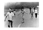 Foto kinderen na Napalm aanval
