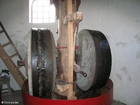 Foto maalstenen in molen