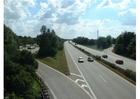 Foto op- en afrit aan autostrade