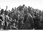 Foto Oste - Hitler op bezoek bij zijn troepen