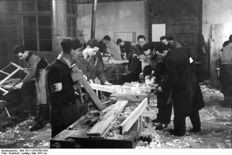 Foto Polen - Ghetto Warschau - mannen wachten. Gratis foto