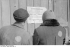Foto Polen - Zichenau - Joden voor een bekendmaking