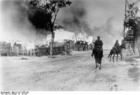 Foto Rusland - brandend dorp met cavalerie
