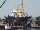 Foto schip op droogdok