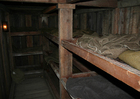 Foto slaapkwartieren in ondergrondse schuilplaats