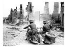 Foto soldaten door ruïnes - Frankrijk